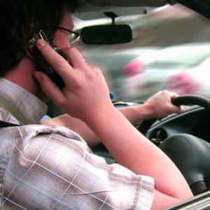 las distracciones al volante