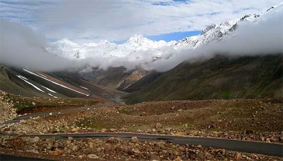 Cinco de las carreteras más peligrosas del mundo