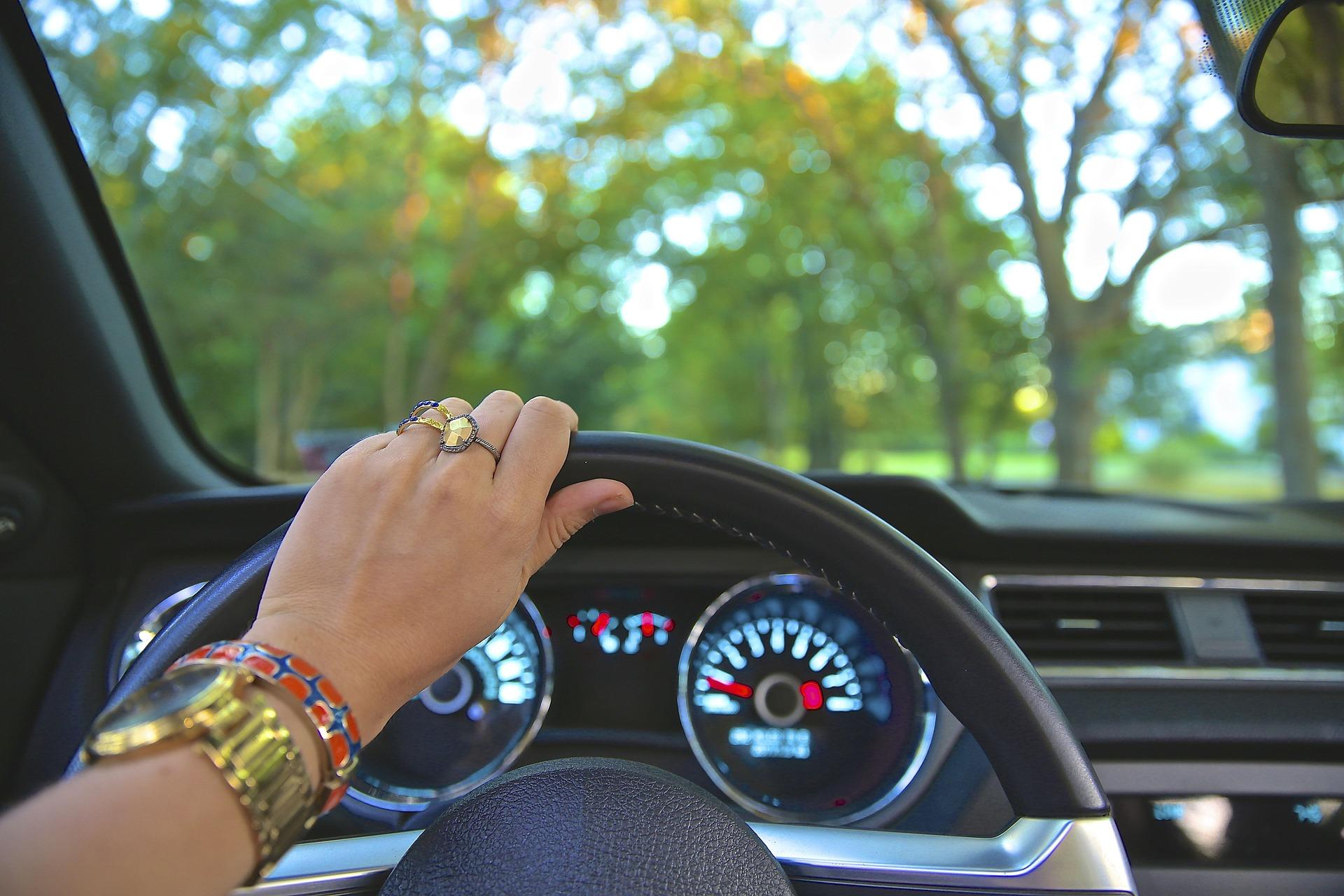 Accesorios para el coche que te facilitarán la vida