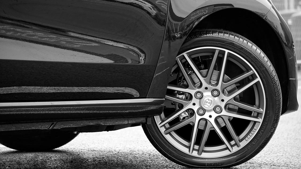 ¿Cómo cuidar los frenos del coche?